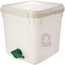 Куботейнер (23 литра) с краном белый